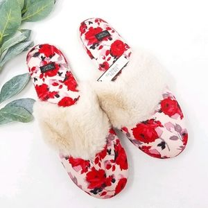 VICTORIA'S SECRET Rose Slippers M NWT